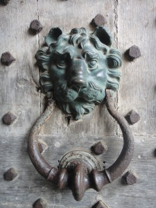 Doorknocker, Leeds Castle