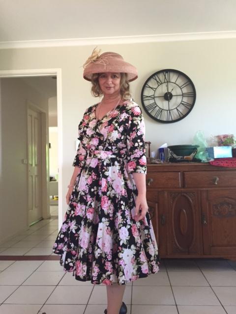 donna in hat