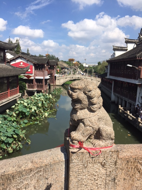 lion-on-the-bridge-qibao